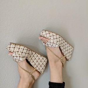 🍑juicy couture platform sandals🍑
